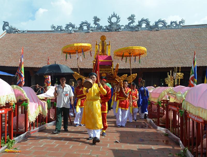 Lễ hội Đình Trà Cổ Quảng Ninh có nét văn hoa dân gian đặc biệt