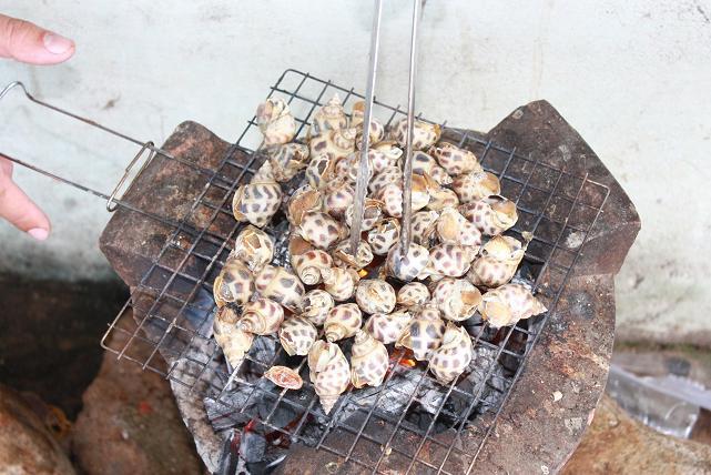 Ốc hương nướng