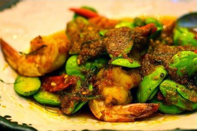 Gaeng Sataw có mùi khó ngửi nhưng lại giàu dinh dưỡng