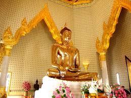 Chùa Phật Vàng - Địa điểm du lịch nổi tiếng nhất Thái Lan