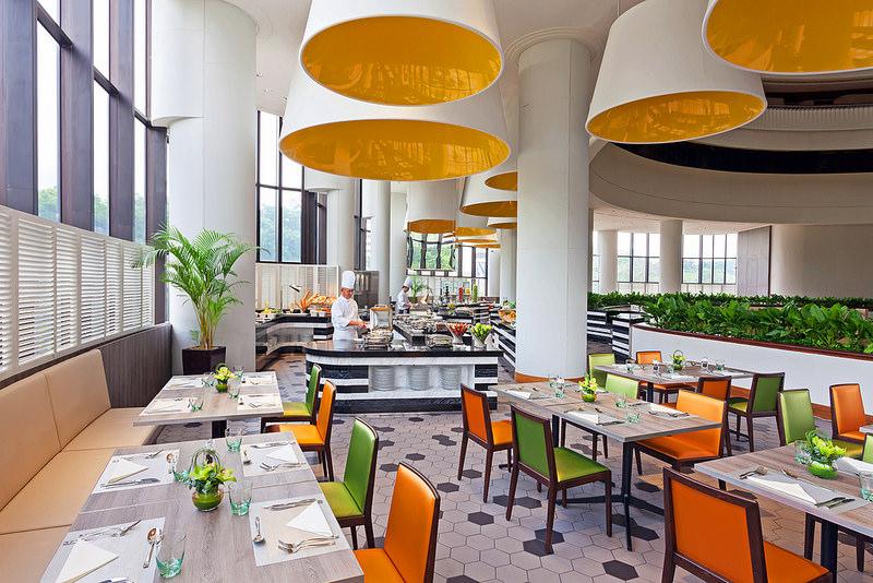 Nhà ăn khách sạn Holiday Inn Singapore Atrium