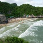 Vẻ đẹp bãi biển ở đảo Cát Bà
