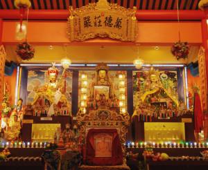 Không gian bên trong chùa Liên Sơn Song Lâm