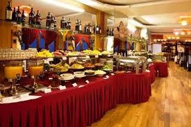 Nhà hàng Mường Hoa nằm ở tầng 5 của khách sạn