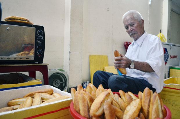 Bánh mì ông Tý