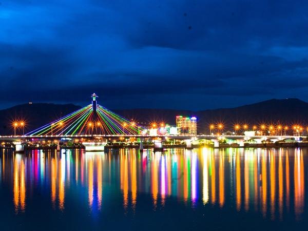 Thành phố Đà Nẵng buổi tối
