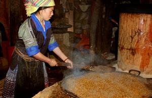 Nấu rượu ngô Hà Giang