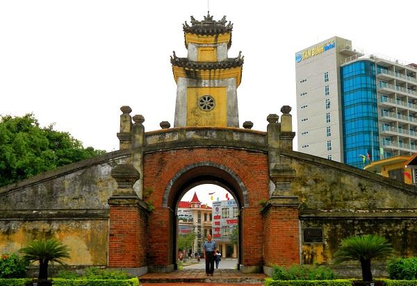 Du lịch Quảng Bình Quan