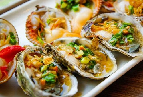 Hàu nướng đặc sản Hạ Long